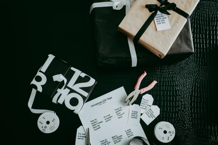 Honest Holiday Gift Tags – Free HolidayPrintable